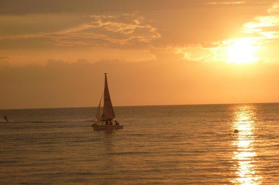 Playa del Ritmo, Beach Hostel & Bar : SUNSET