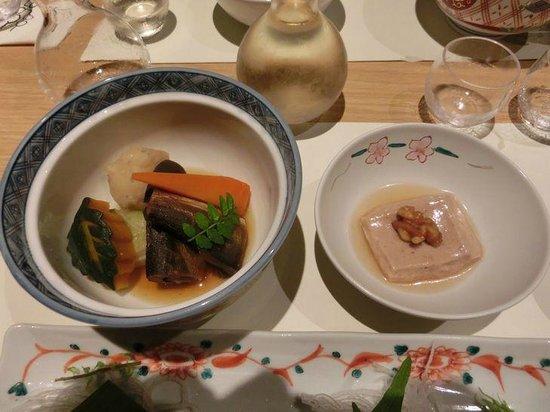 Inishie no Yado Ikyu : 胡桃豆腐と煮物(ステーキ、ローストビーフ選択者)