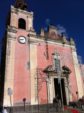 Gravina di Catania, Италия: vista esterna della chiesa