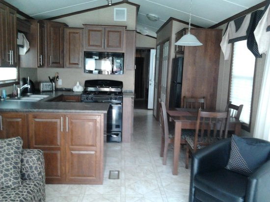 Red Eagle Family Campground : RV kitchen