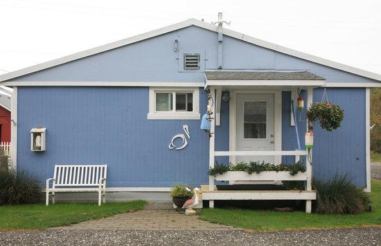 Ocean Spray Beach Resort: Unit 9 exterior