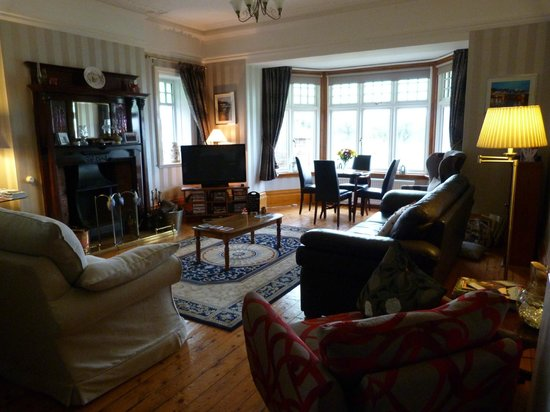 Fairhaven Country Guest House: one half of the very large lounge