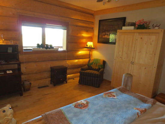 Log Spirit Bed and Breakfast : Autumn Room