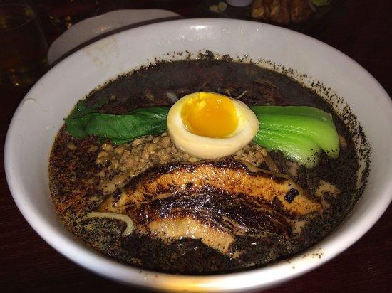 Ramen Parlor: Tan tan ramen with black garlic oil