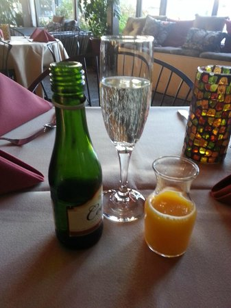 BEST WESTERN PLUS Encina Inn & Suites: MIMOSA!