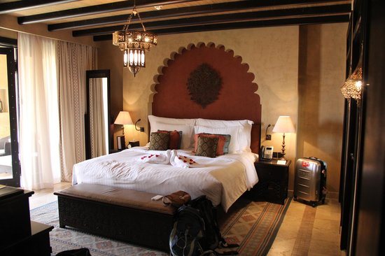 Qasr Al Sarab Desert Resort by Anantara : The room