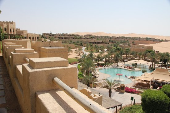 Qasr Al Sarab Desert Resort by Anantara : View from our room