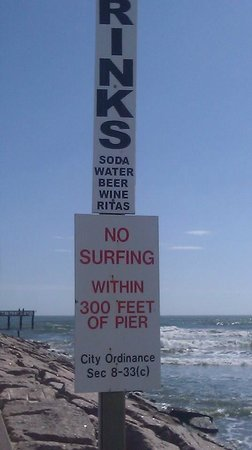Galveston's 61st Street Fishing Pier: Pay for parking near this sign.