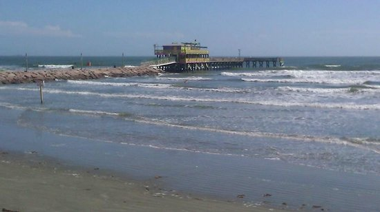 Galveston's 61st Street Fishing Pier: Look for the pier.