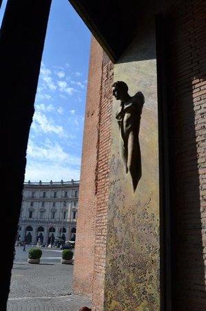 Basilica di Santa Maria degli Angeli e dei Martiri: lookin out at Piazza della Republica.