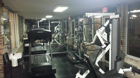 Holiday Inn Cleveland - Mayfield: Workout room    - Holiday Mayfield