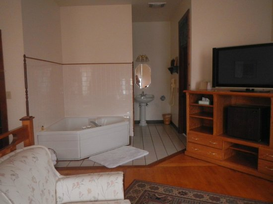 Karsten Hotel: Room 207