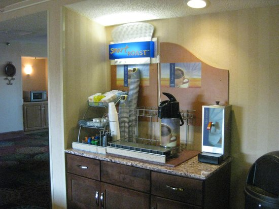 Holiday Inn Express Milwaukee- West Medical Center: .