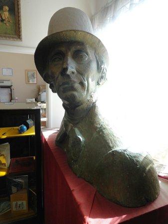 Hans Christian Andersen Museum: Bust Of Hans