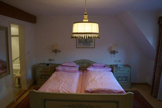 Tilman Riemenschneider Hotel: Bedroom
