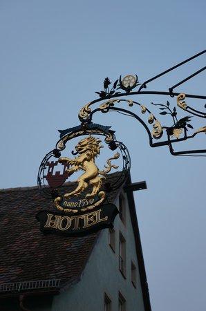 Tilman Riemenschneider Hotel: Entrance