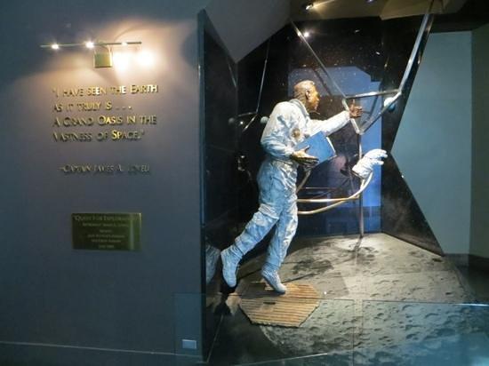 Adler Planetarium : Jim Lovell