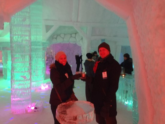 Hotel de Glace: the bar area
