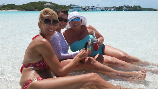 Exuma Water Tours: cool spot for a beer