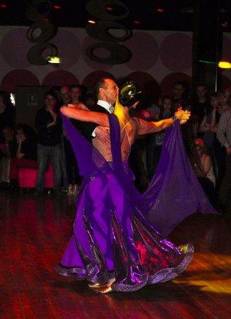 Discoteca Antares di Pavia...Musica da ballo Giovedi, Sabato e Domenica pomeriggio