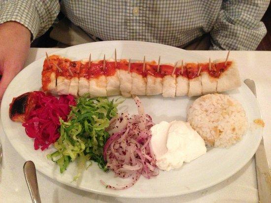 Dimrit Cafe & Restaurant: Beyti Kebab
