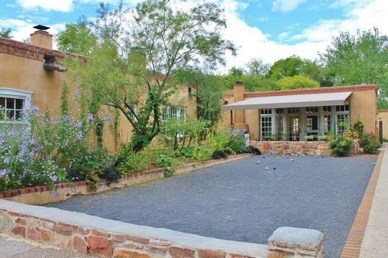 Los Poblanos Historic Inn & Organic Farm: Restaurant and bocce court