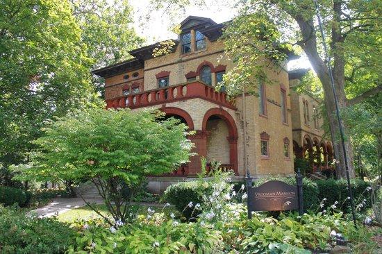 Vrooman Mansion: Mansion exterior