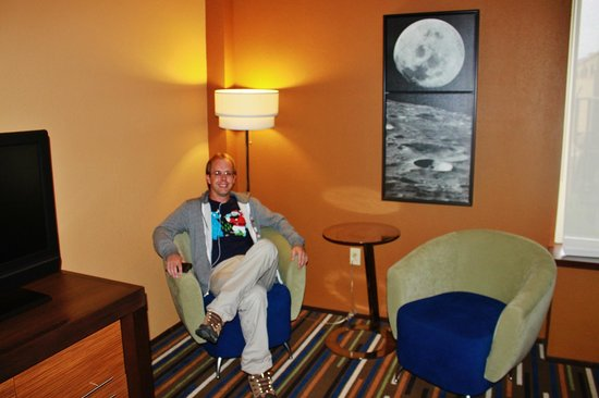 Moonrise Hotel : In the room