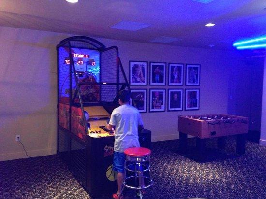 Diamond Beach: Gameroom