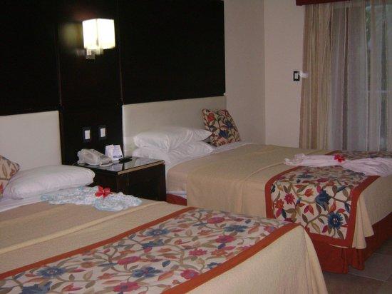 Tropical Princess Beach Resort & Spa: HABITACIÓN