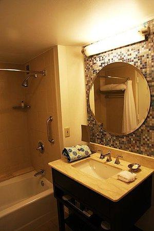 The Westshore Grand, A Tribute Portfolio Hotel, Tampa: Bathroom