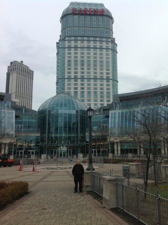 Fallsview Casino Resort: street side of the hotel/casino