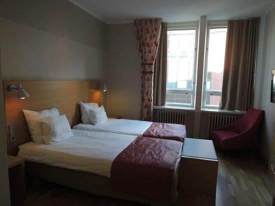 Original Sokos Hotel Helsinki: 寝心地がイマイチなベッド