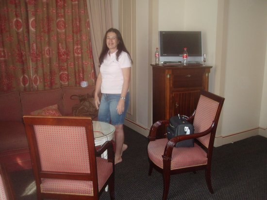 Hotel Napoleon Paris : cadeiras super confortáveis.