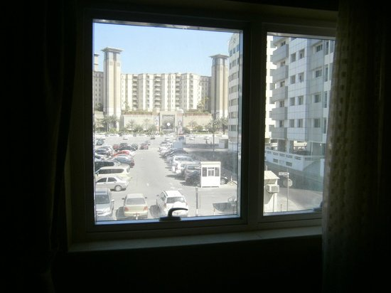 Lotus Downtown Metro Hotel Apartments : Master bedroom view