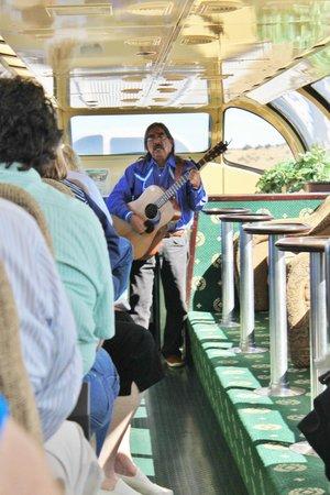 Grand Canyon Railway Hotel: Music on the train