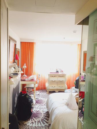 The Luxe Manor : View of the room from entrance