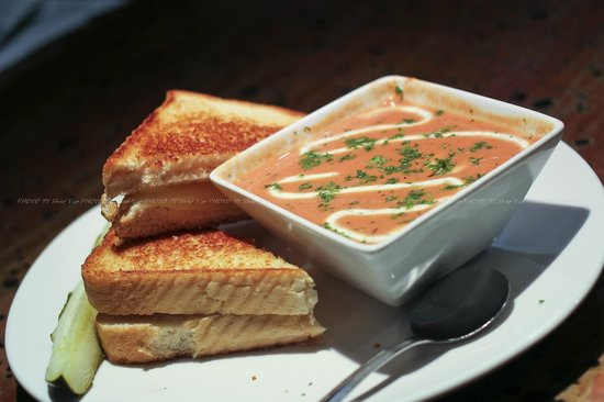 Atomic Grill: Tomato bacon bisque