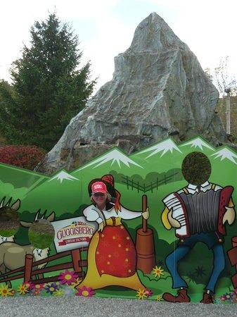 Guggisberg Cheese Factory: Take a pix at the Matterhorn