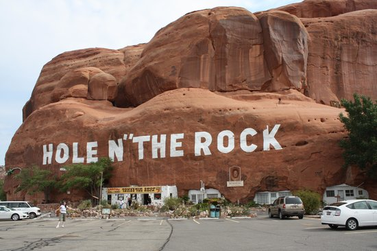 Hole 'N the Rock: Other side, front