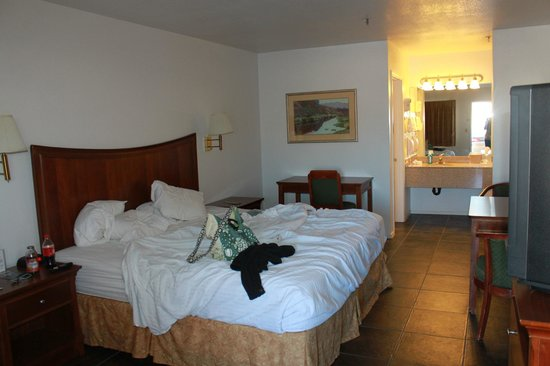 Rio Del Sol Inn Needles : Inside the room before check out