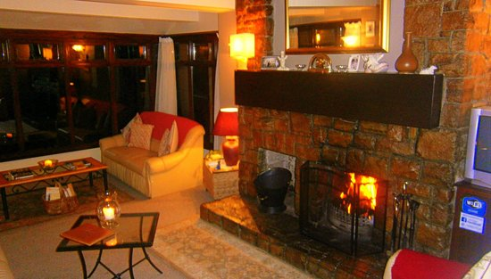Killarney View House : The Cosy Lounge