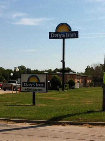 ‪‪Days Inn Muskogee‬: Outside Sign‬