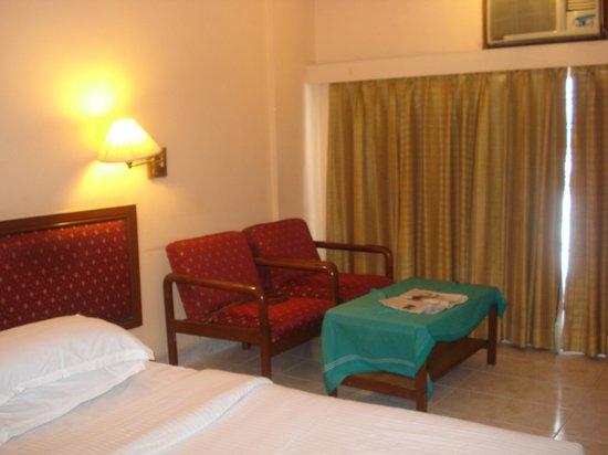 Hotel Harsha: harsha hotel room