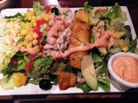 Elephant Bar & Restaurant : Zesty salad; the Korean beef tacos were better