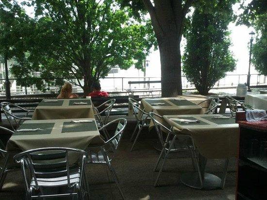 Miramar Mediterranean Seafood Restaurant: 2