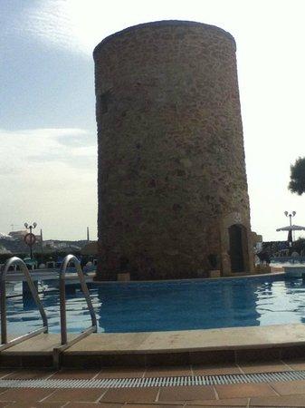 Hotel Torre del Mar : Открытый бассейн