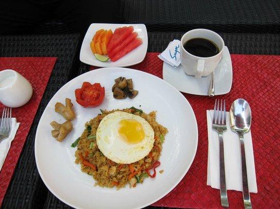 Kamar Kamar Rumah Tamu: Nasi Goreng