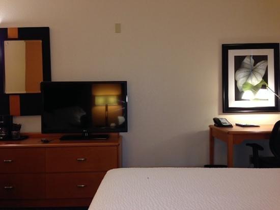 Fairfield Inn & Suites Houston I-10 West/Energy Corridor: nice room set-up