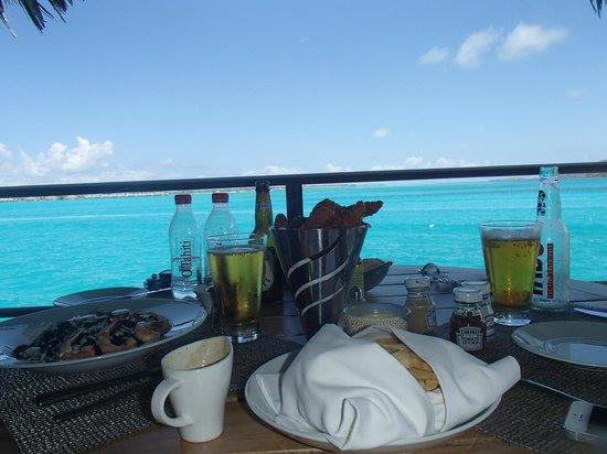 Four Seasons Resort Bora-Bora : In-room Dining